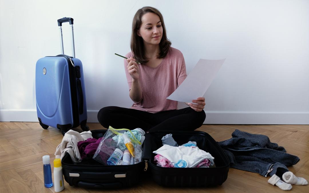 Pakujemy torbę do porodu! Darmowy PDF z listą rzeczy do pobrania