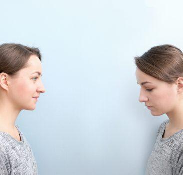 Smutek po porodzie – czy to normalne?